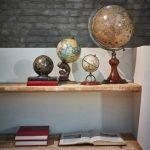 HAmilton tobacco & gifts - home deco - globes